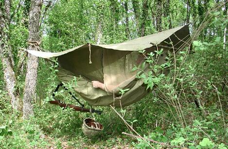 La Tente Suspendue